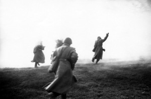 1943, Europe --- Soviet Soldiers Charge to the Front --- Image by © Dmitri Baltermants/The Dmitri Baltermants Collection/Corbis